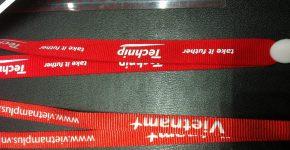 dây đeo thẻ màu đỏ in nhiệt 1.5cm