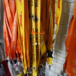 Dây đeo thẻ vàng cam DHL IVS GSK WOMEN,đại học kinh tế,samsung
