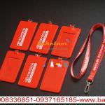 bao đeo thẻ da pu màu đỏ in logo công ty ,bao đeo thẻ nhân viên 2 mặt